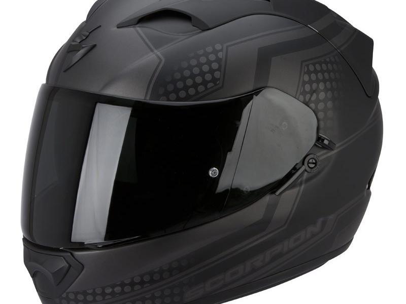 Casque moto integral noir - La culture de